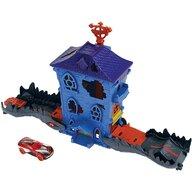 Hot Wheels - Pista de masini Croc Mansion Attack Cu masinuta by Mattel