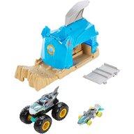 Hot Wheels - Pista de masini Pit and Launch Shark Wreak Cu 2 masinute by Mattel Monster Truck
