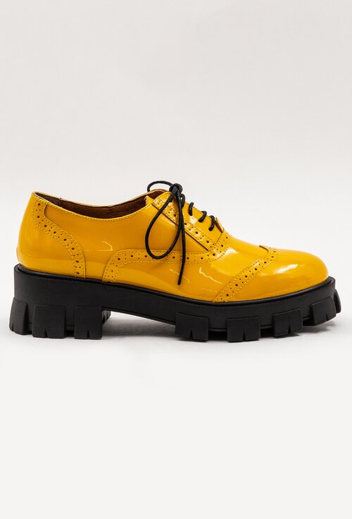Pantofi galbeni din piele naturala cu aspect lacuit