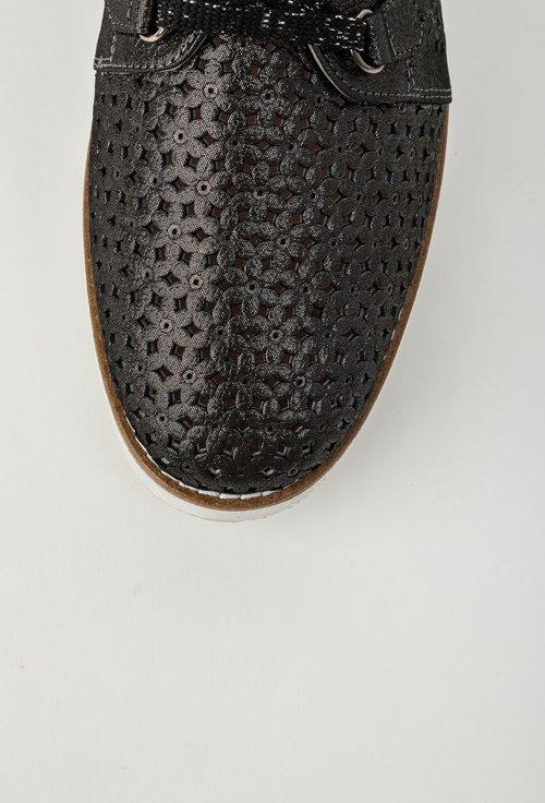 Pantofi negri din piele naturala cu model perforat Flower