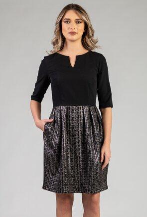 Rochie neagra cu buzunare si fusta cu imprimeu