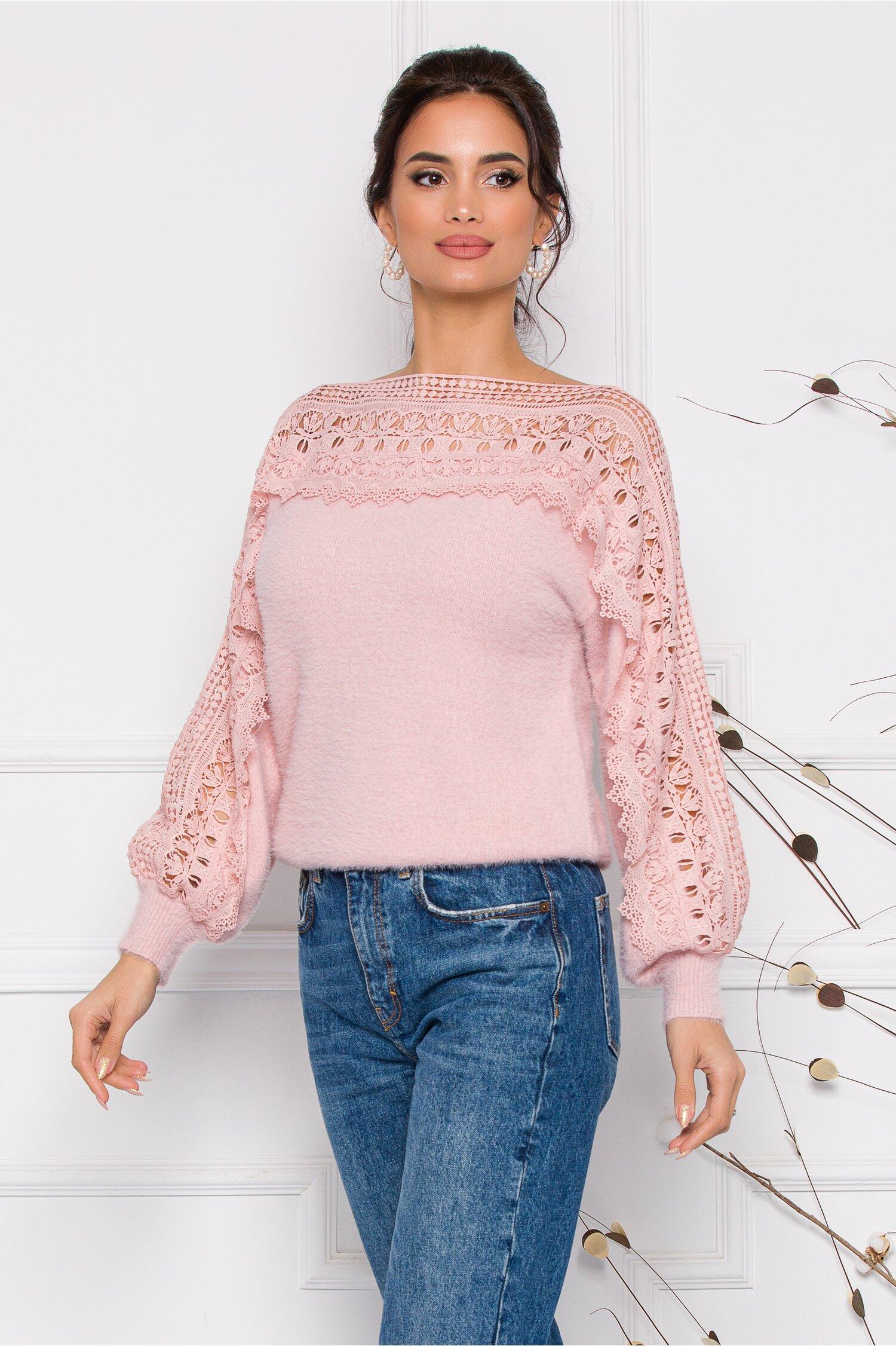 Bluza Jasmine roz pal din tricot moale cu detalii din dantela la bust si maneci imagine