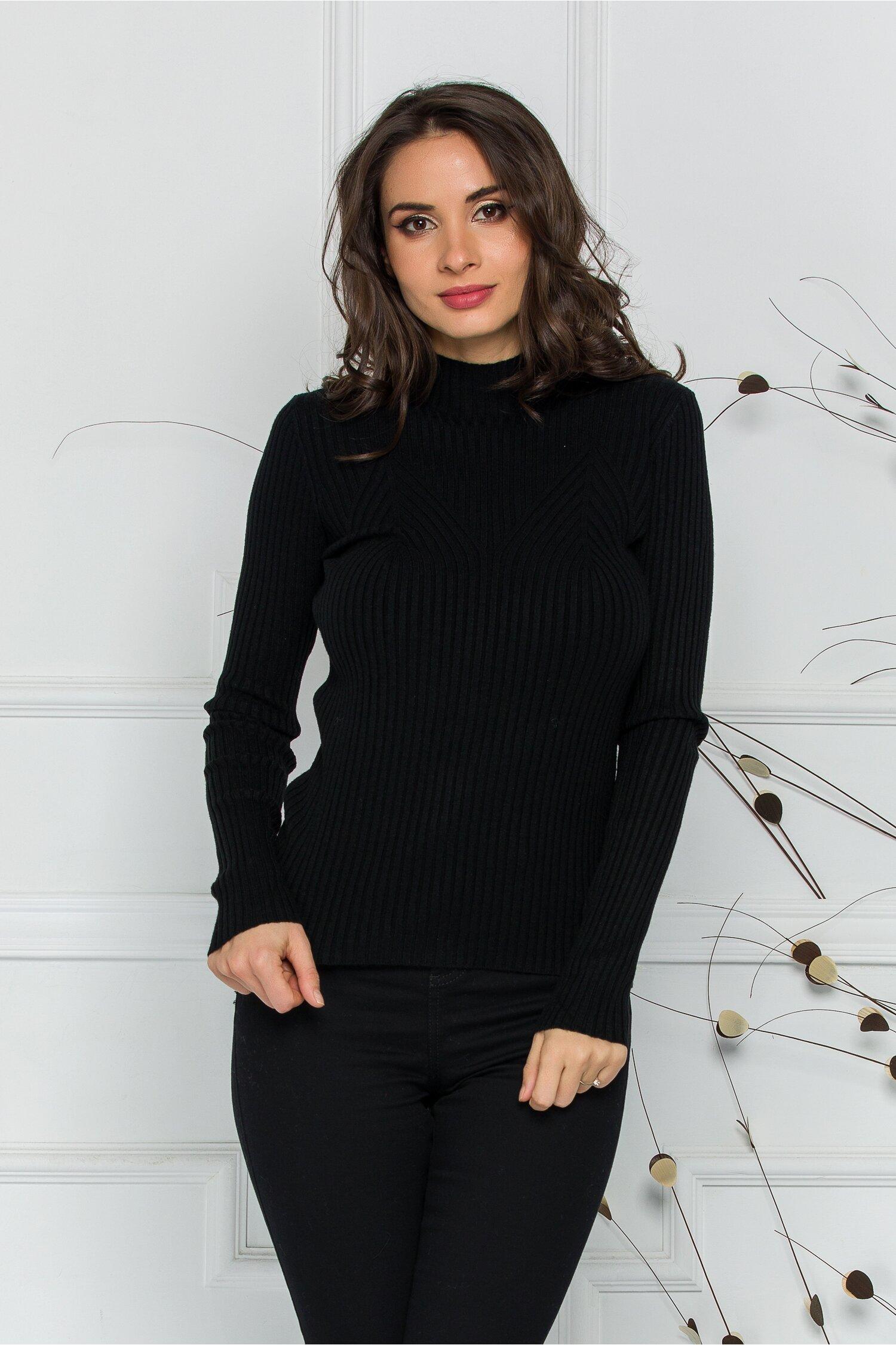Bluza Jenifer neagra din tricot reiat