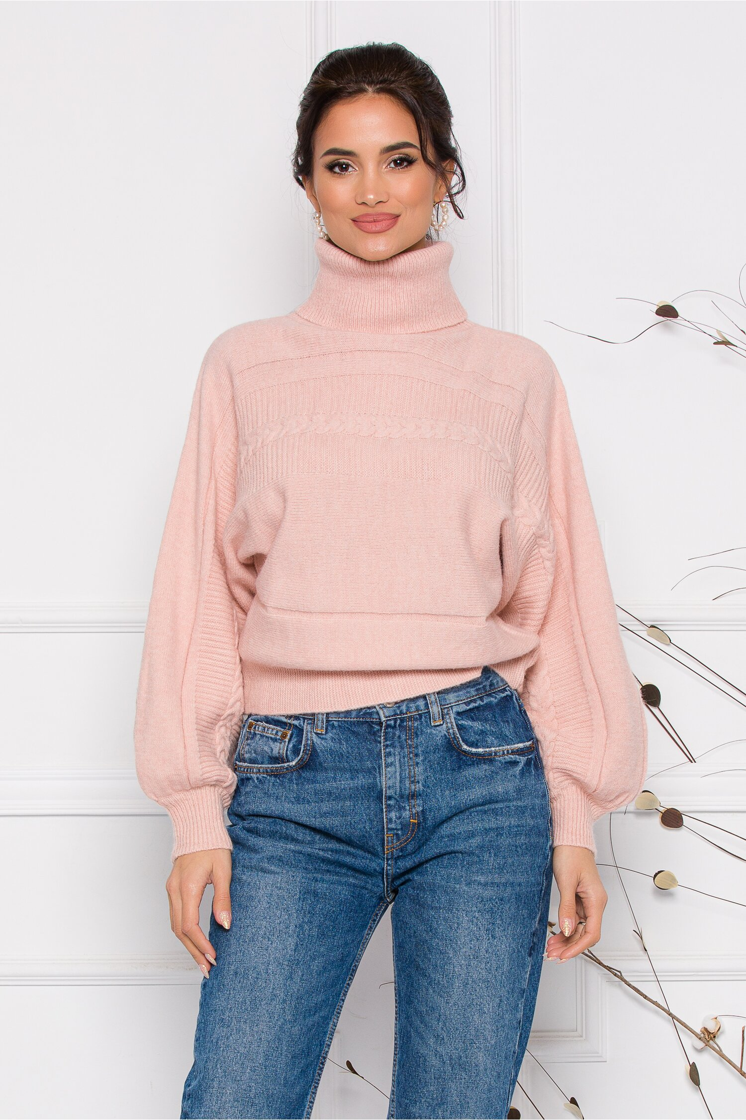 Pulover Dory scurt roz din tricot cu guler inalt imagine
