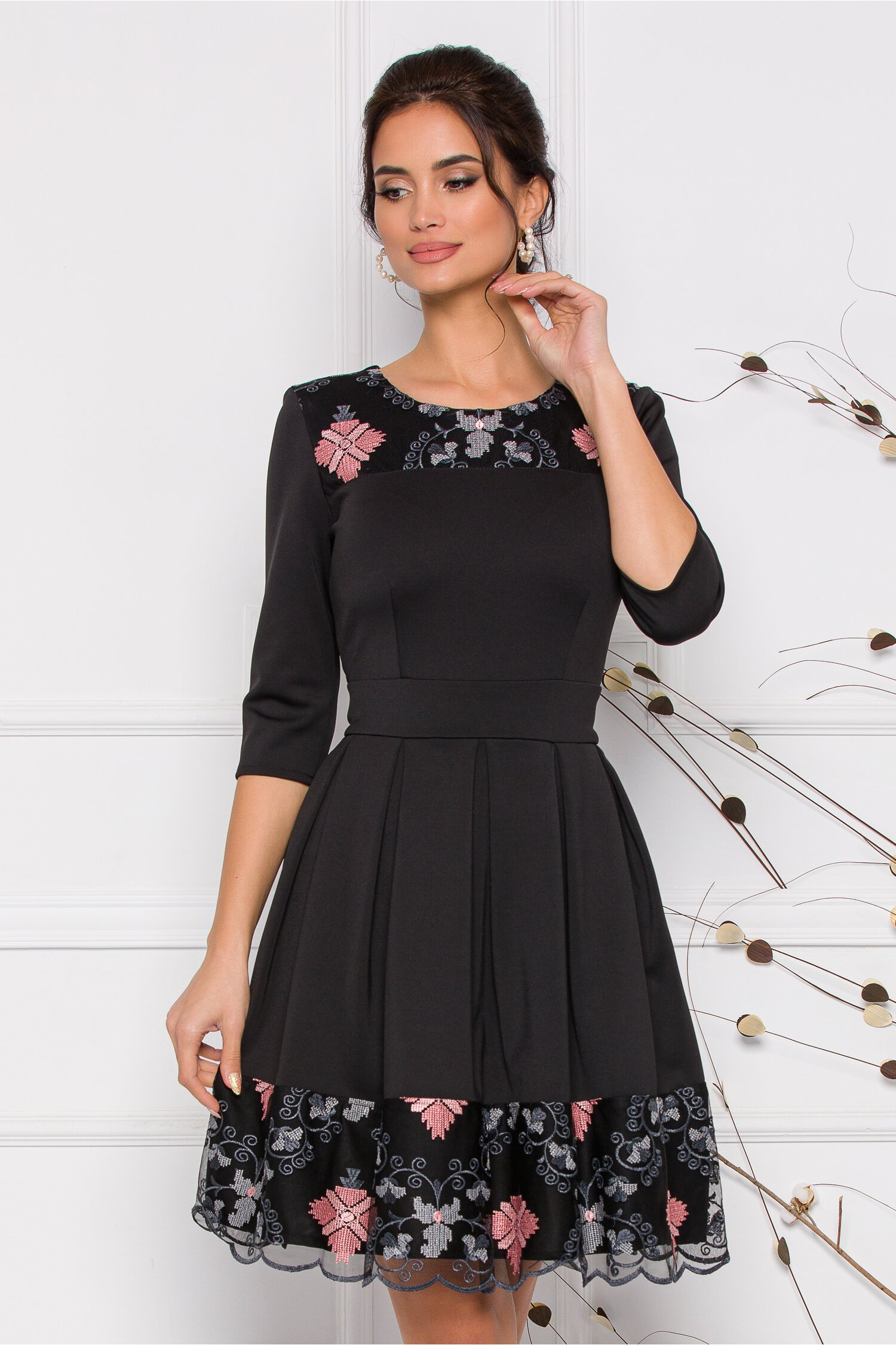 Rochie Ella Collection Angy neagra cu broderie roz si gri in stil traditional imagine
