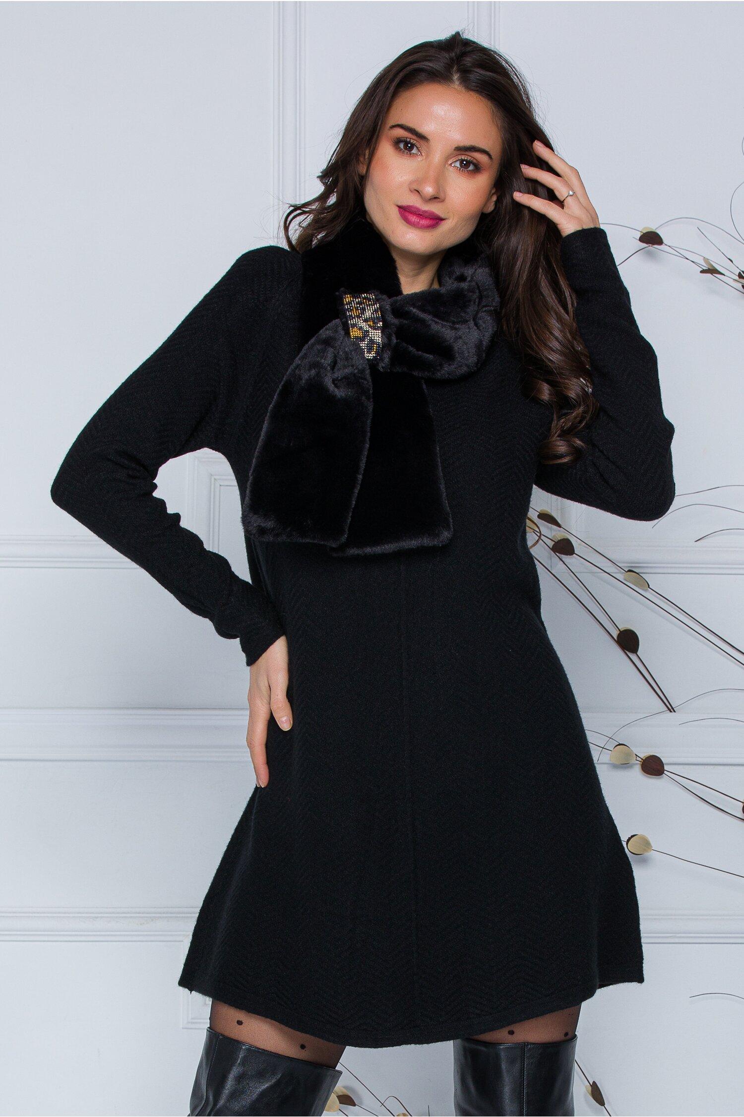 Rochie Mara neagra scurta din tricot cu accesoriu tip fular imagine