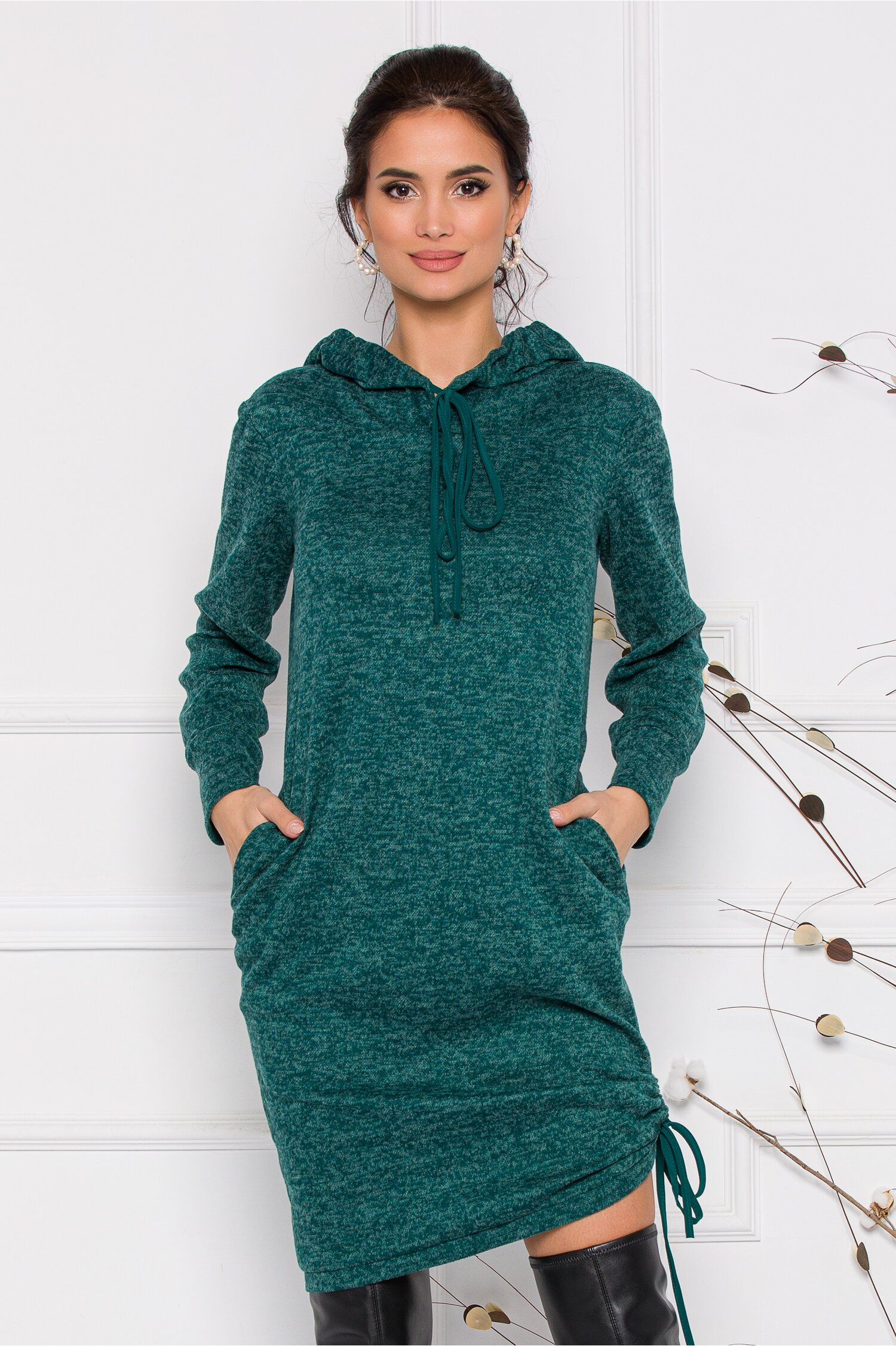 Rochie Moze verde din tricot cu gluga si buzunare imagine