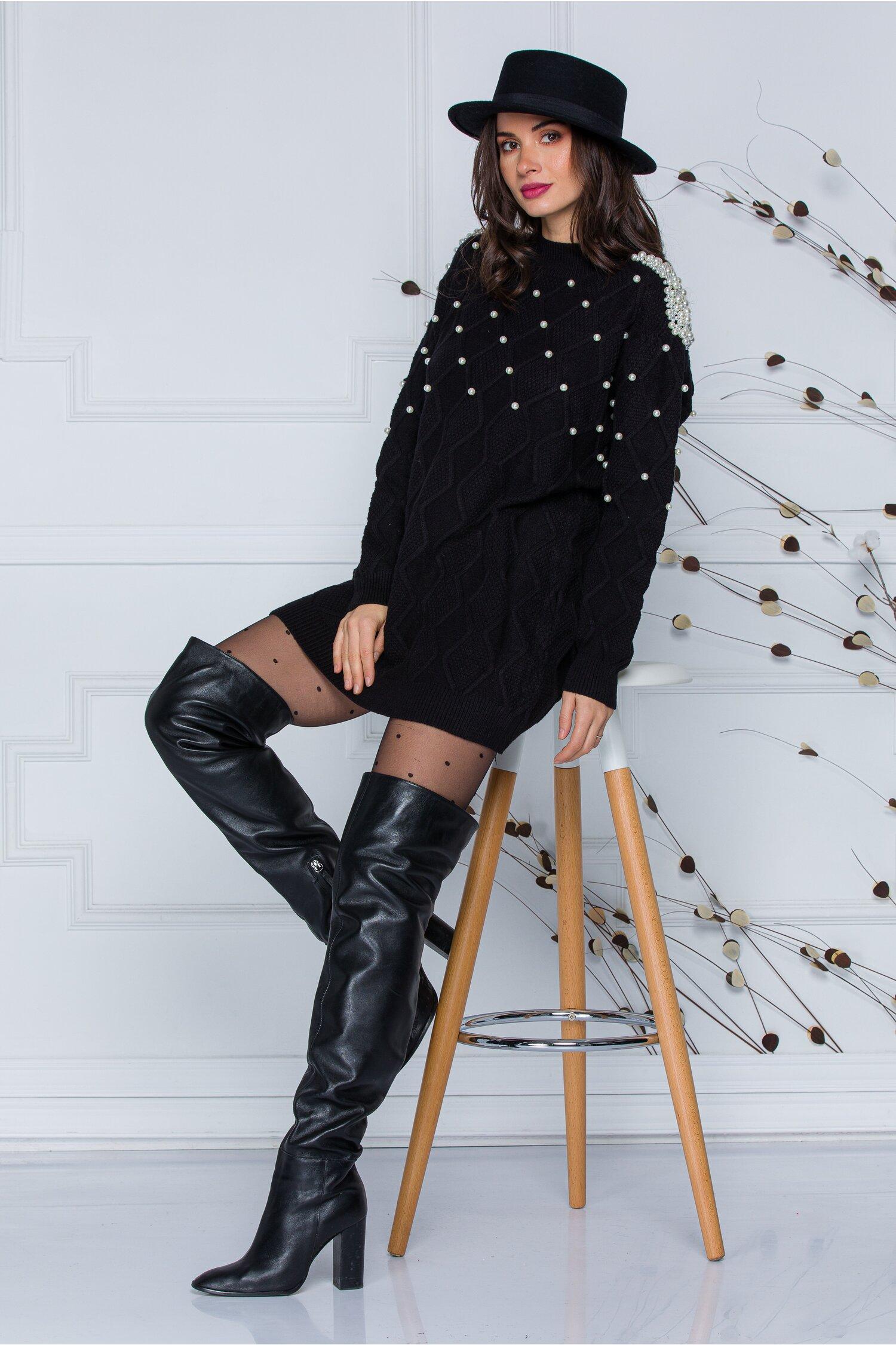 Rochie Pearl neagra din tricot accesorizata cu perlute