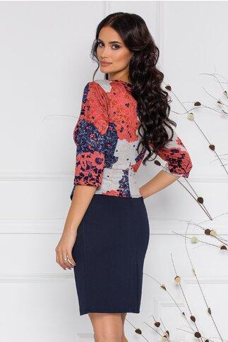 Rochie Sheyla bleumarin cu imprimeu floral bej-corai si peplum in talie