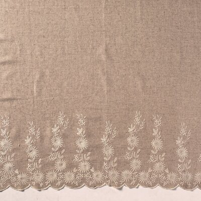 Material in si vascoza cu bordura brodata - Linen
