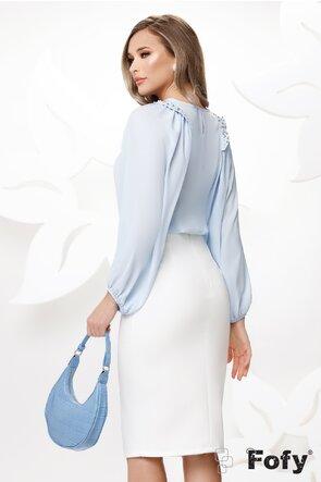 Bluza dama eleganta bleucu maneci largi si aplicatii de perle si strassuri