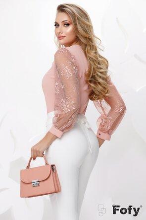 Bluza dama roz cu maneci de dantela si brosa cu perle