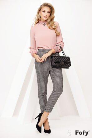 Bluza Fofy roz pudrat cu guler si mansete incretite si brosa detasabila