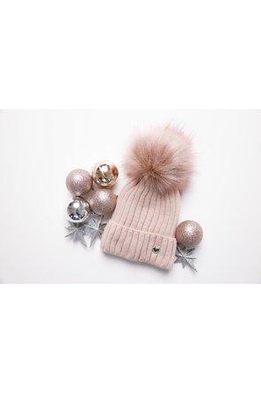 Caciula tricotata roz cu detaliu din blana ecologica