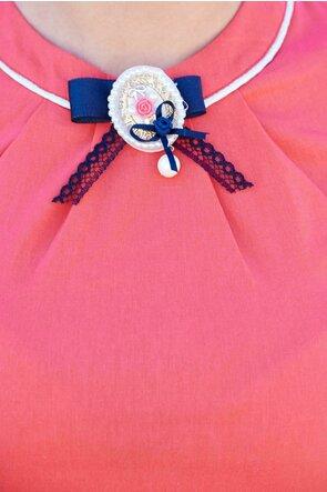 Camasa Fofy corai cu brosa romantica decorativa