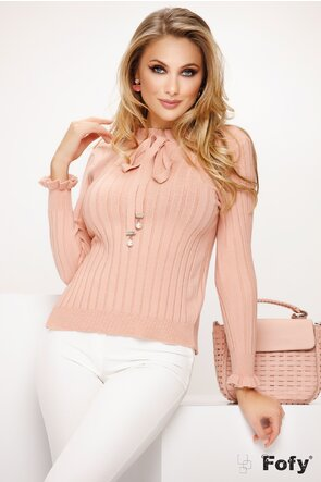 Pulover dama roz cu volanase si funda eleganta cu perle