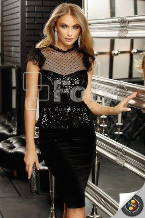 Rochie din catifea neagră cu paiete