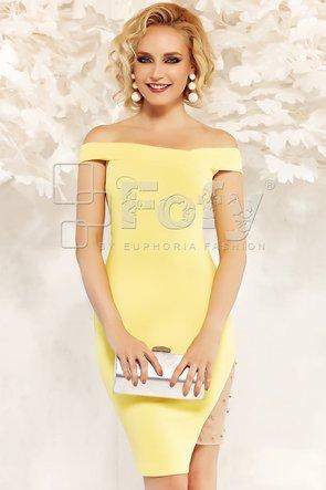 Rochie galbenă mulată cu despicatură asimetrică