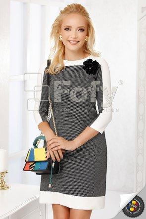 Rochie Fofy în A cu floare decorativă