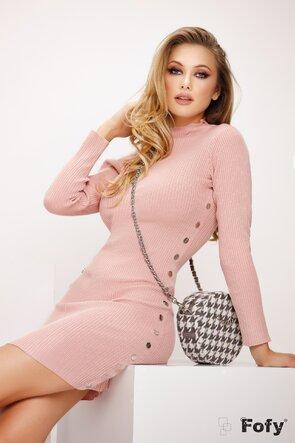 Rochie tricotata roz mulata cu capse metalice