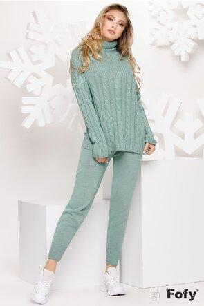 Trening turcoaz cu pulover pe gat si pantalon tricotat