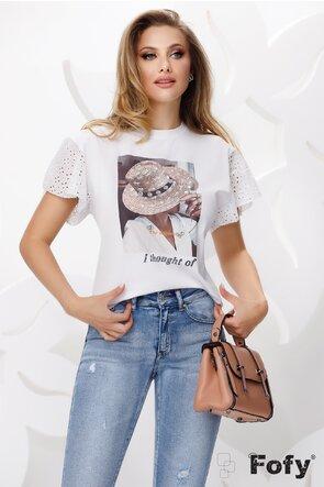 Tricou dama alb cu maneci dantelate si imprimeu cu aplicatii paiete si strasuri