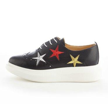 Pantofi de dama piele neagra cu aplicatii stele Young Sneakers
