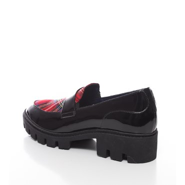 Pantofi negrii din piele naturala lacuita cu textil carouri Lera