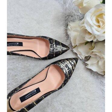 Pantofi stiletto aurii Trend