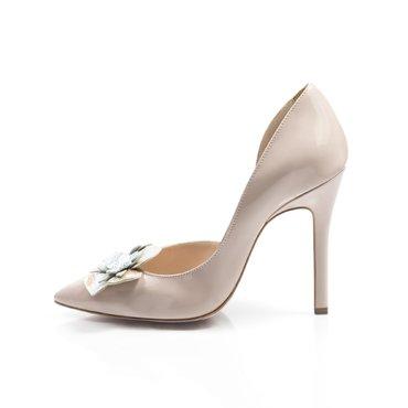 Pantofi stiletto lac nude Eva cu aplicatii florale
