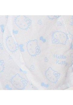 Caciula alba, Hello Kitty