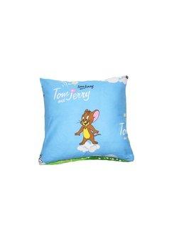 Fata perna Tom si Jerry