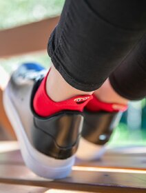 Sosete scurte rosii cu smiley face brodat Socks Concept SC-1879-6