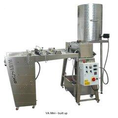 Linie full automat pentru confectionarea fagurilor de ceara prin presare la cald VA-Mini cu masa rigida Rietsche (cu transport, fara instalare)