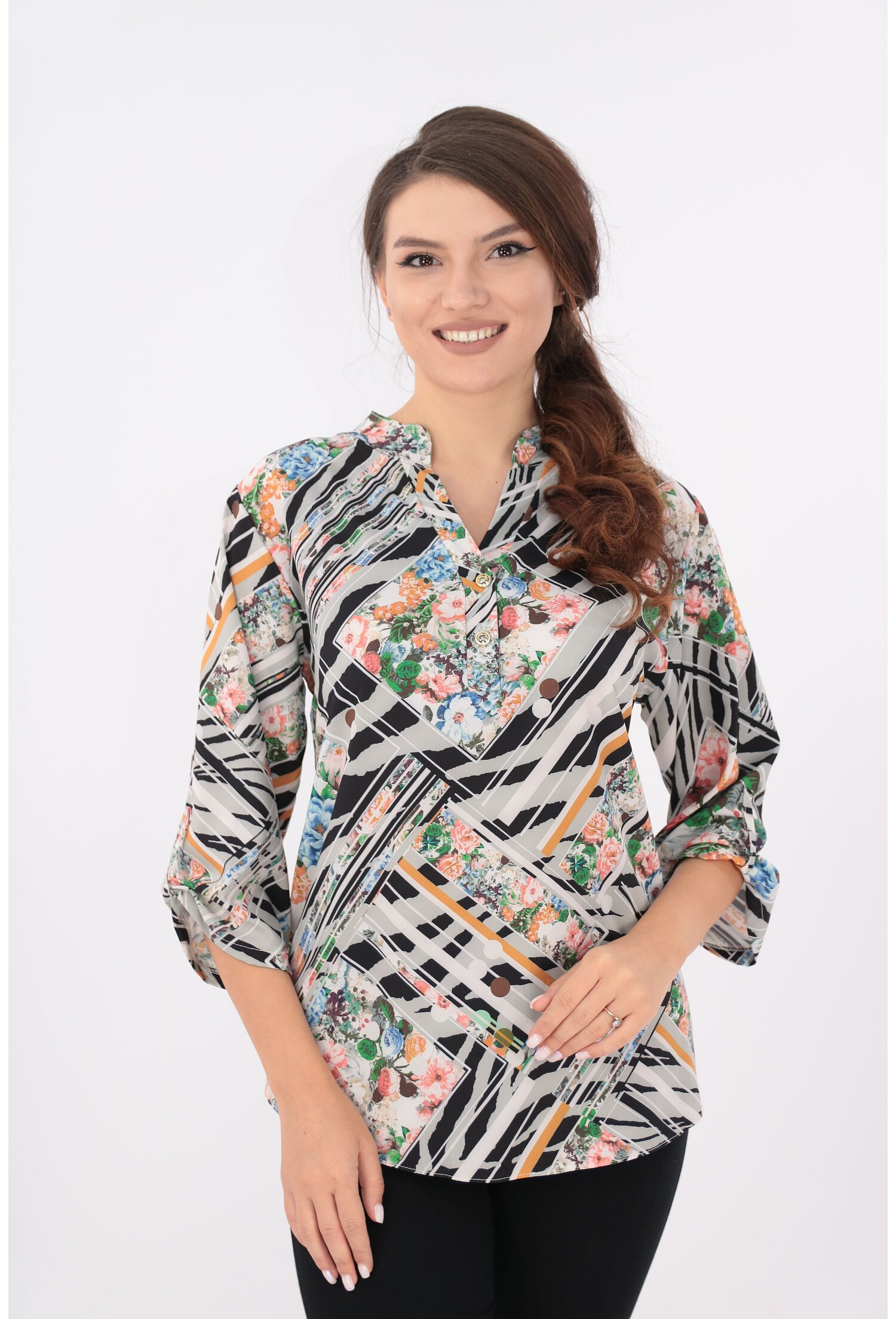 Bluza cu print geometric multicolor si guler tunica