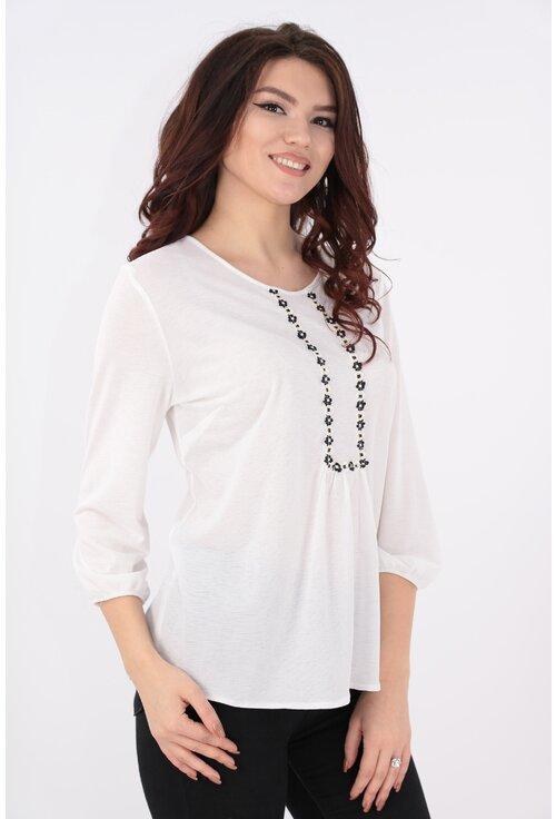 Bluza lejera alba cu broderie florala alb-negru