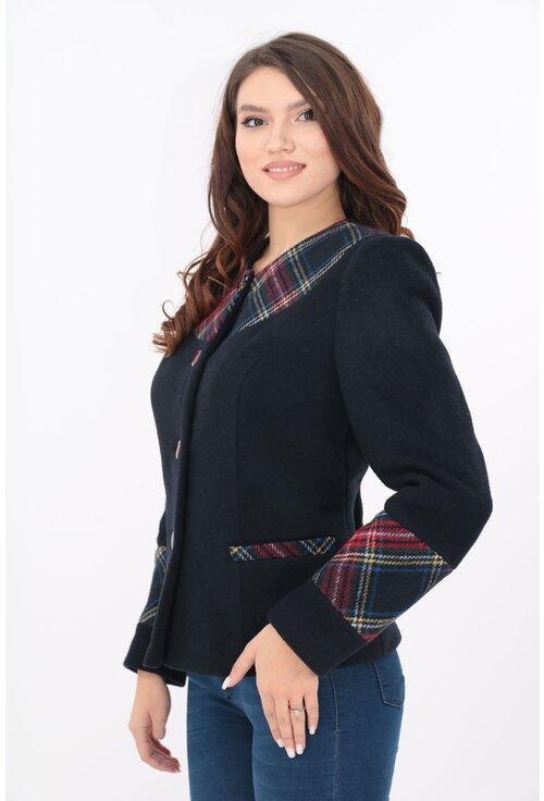 Jacheta bleumarin cu carouri din stofa groasa
