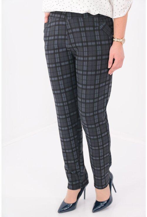 Pantaloni bleumarin flausati cu carouri maxi