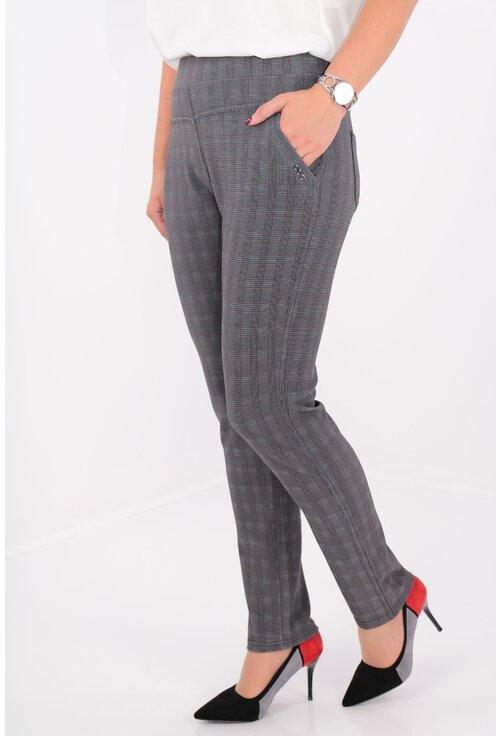 Pantaloni conici gri inchis cu carouri bordo si negre