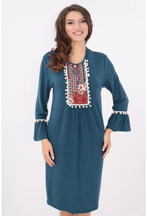 Rochie albastra cu motive traditionale si ciucuri crem