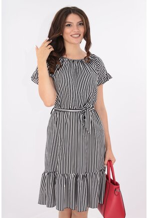 Rochie cu dungi negre-albe si cordon in talie