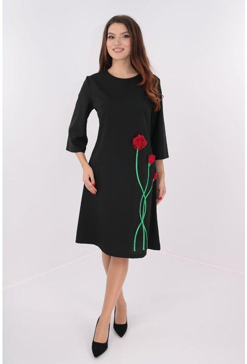 Rochie evazata neagra cu flori rosii hand-made